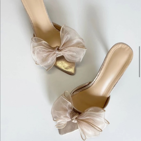 PRESALE! Champagne Tone Bow Pointed Dress Slippers